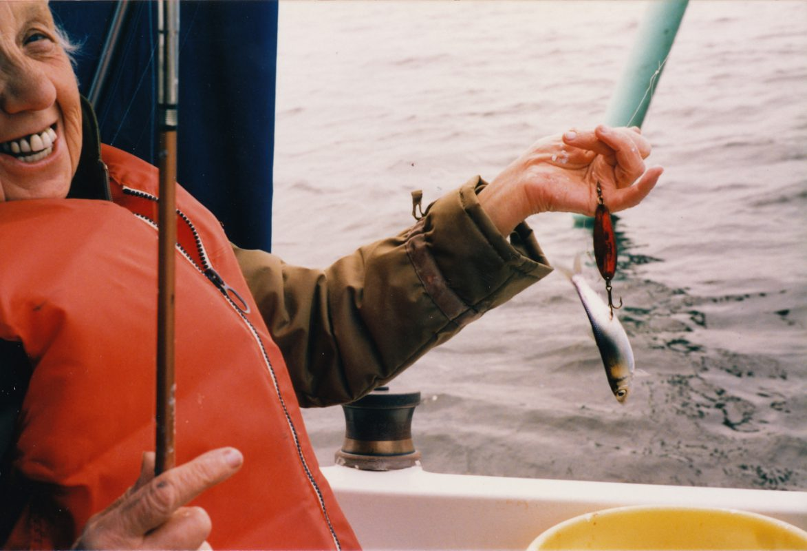 en fiskande fanilj